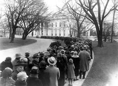 Post with 18 votes and 131 views. Shared by ericross. The long-gone New Year's Day tradition: White House open house, where the president waited to shake hands New Years Traditions, Christmas Past, Christmas Photos, Vintage Christmas, Before Us, Old Pictures, Family History, American History, American Pride