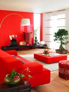 farbige wände rote wandfarbe wohnzimmer heller sessel kamin ... - Dunkelrote Wandfarbe Fr Wohnzimmer