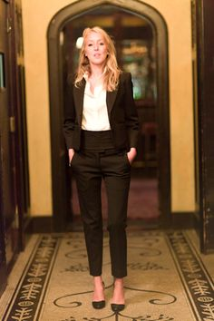 Must Try: PANTSUITS! for petite women slim cropped pants and a shorter jacket are flattering options for pulling off this look!