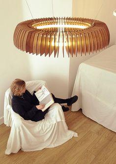 Lámpara Colgante de Madera, Arte y Diseño en Accesorios de Iluminación