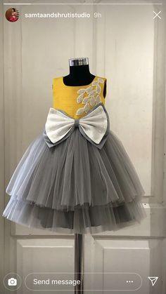 29 ideas for dress pattern kids Source by saifmukh Blouses Girls Frock Design, Kids Frocks Design, Baby Frocks Designs, Baby Dress Design, Baby Girl Party Dresses, Kids Outfits Girls, Little Girl Dresses, Girls Dresses, Girl Outfits