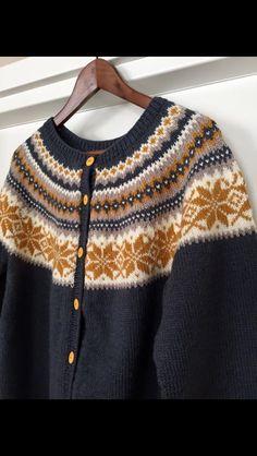 Nancy trakk på skuldrene - Lilly is Love Crochet Dog Patterns, Sweater Knitting Patterns, Lace Knitting, Knitting Stitches, Learn How To Knit, How To Purl Knit, Fair Isle Pattern, Top Pattern, Drops Paris
