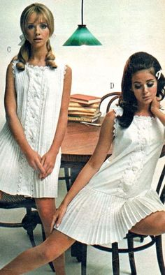 """Retro Fashion """"Colleen Corby (in the right), """" - 60s And 70s Fashion, Teen Fashion, Retro Fashion, Fashion Models, Vintage Fashion, 1960s Fashion Women, 60s Fashion Trends, Fashion 2017, Womens Fashion"""