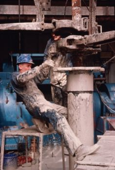 Stock Photo : Roughneck on oil rig using tong and 'running' thirteen inch casing Oil Rig Jobs, Oilfield Man, Petroleum Engineering, Technical Diving, Oil Platform, Drilling Rig, Oil Industry, Bad To The Bone, Crude Oil