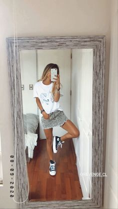 Edgy Outfits, Cute Casual Outfits, Simple Outfits, Outfits For Teens, Girls Fashion Clothes, Fashion Outfits, Look Vintage, Moda Fashion, Vacation Outfits