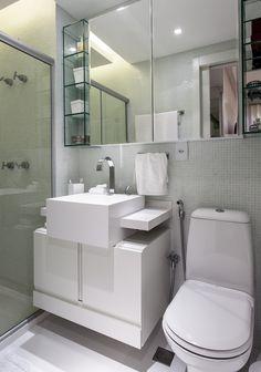 Um décor para aproximar a família. Veja: http://casadevalentina.com.br/projetos/detalhes/para-aproximar-a-familia-589 #decor #decoracao #interior #design #casa #home #house #idea #ideia #detalhes #details #style #estilo #casadevalentina #bathroom #banheiro