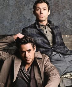 Jude Law & Robert Downey Jr perfect for the Sherlock Holmes movies! Robert Downey Jr., James Mcavoy, Ryan Gosling, Michael Fassbender, Kevin Spacey, Actrices Hollywood, Downey Junior, Jake Gyllenhaal, Mode Masculine