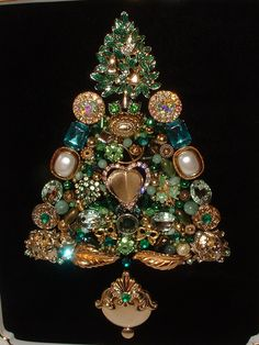 These Christmas trees are beautiful! Vintage Jewelry Green & Gold Partridge in a Pear Tree Framed Jeweled Christmas Tree.