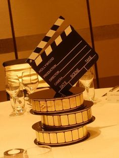 New party themes hollywood center pieces IdeasYou can find Hollywood party and more on our website.New party themes hollywood center pieces Ideas Old Hollywood Theme, Old Hollywood Prom, Red Carpet Theme Party, Hollywood Birthday Parties, Movie Night Party, Movie Nights, Prom Decor, Super Party, Center Pieces
