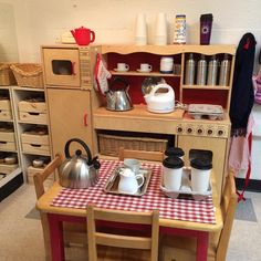 Cold weather calls for Hot Chocolate Cafe. Hopefully they sell coffee too! Dramatic Play Area, Dramatic Play Centers, Corner Cafe, Corner House, Home Corner Ideas Early Years, Role Play Areas, Reggio Classroom, Preschool Lesson Plans, Classroom Environment