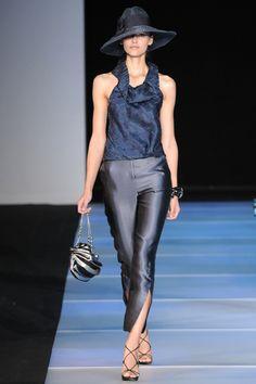 Giorgio Armani Woman S/S 2012 @Modaonline