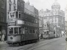 Kingsway subway tram routes to Manor House and to Archway survived until the final closure of the whole system in 1952 London Pictures, Old Pictures, Old Photos, London Bus, London Bridge, Vintage London, Old London, Newington Green, Transport Pictures