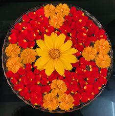Floating flowers Diy Mehndi Decorations, Festival Decorations, Flower Decorations, Rangoli Designs Flower, Flower Rangoli, Decoration For Ganpati, Wedding Plates, Floating Flowers, Flower Bowl