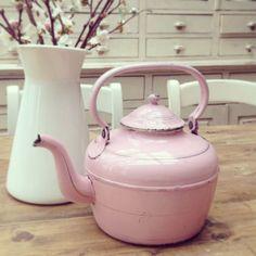 My beautiful vintage pink kettle!