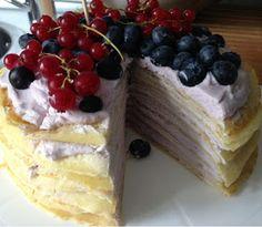 olles *Himmelsglitzerdings*: Pfannkuchen Kuchen mit frischen Beeren