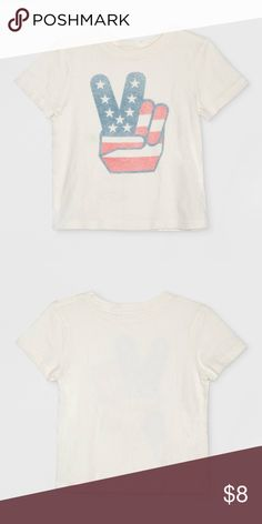 Junk Food Toddlers' Peace Logo Graphic T Shirt 18M Junk Food Toddlers' Short Sleeve Peace Logo Graphic T-Shirt - White 18 Months Peace sign fingers with American flag print add a nostalgic touch They'll look cute as can be and perfectly patriotic when they're wearing the Peace Logo Graphic T-Shirt from Junk Food. Made from soft, breathable cotton, they'll feel as good as they look in this peace sign graphic tee Junk Food Clothing Shirts & Tops Tees - Short Sleeve