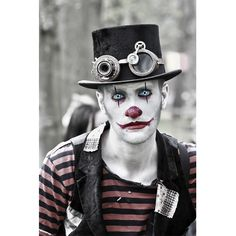 Terrifying Steampunk Clown Cosplay by Cos Couture! Follow Cosplay Sushi for more cosplay ideas! #cosplaysushi #cosplay #anime #otaku #cool #cosplayer #terrified #clown #steampunk #husbando #malecosplayer #amazing #awesome