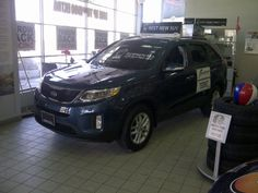 "2015 Kia Sorento LX 4-Cylinder     Front-Wheel Drive     Wave Blue Exterior with Black Cloth Interior  stock# 148866     LX FWD Model Features:  Front Wheel Drive, 2.4L 191HP Engine, 17"" Alloy Wheels, Air Conditioning , Automatic Transmission  Heated Seats, Rear Parking Sonar, Fog Lights, Bluetooth, Roof Rails  and much more."