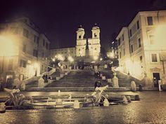 Piazza di Spagna di sera