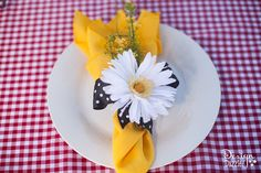 Daisy and Red Gingham Mary Poppins Theme - Napkin and Napkin Ring Holder - Design Dazzle