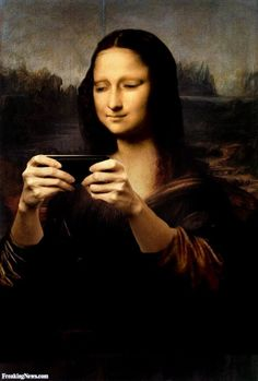 Mona contracted the maniacal addiction of the century Lisa Gherardini, Art Pictures, Funny Pictures, Mona Friends, La Madone, Mona Lisa Parody, Mona Lisa Smile, Famous Art, Arte Pop