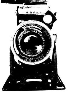 'Kamera - Plattenkamera - black and white' von Marion Waschk bei artflakes.com als Poster oder Kunstdruck $16.63