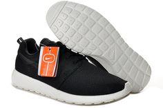 Nike Roshe Run Black White 511881 010