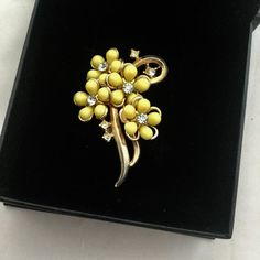 1950's Cute Flower Brooch