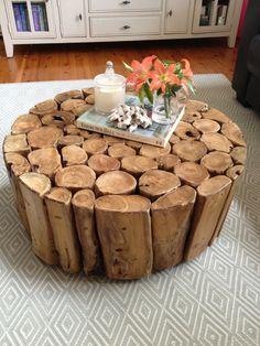 Matilda Rose Interiors – Teppich und Tisch - My CMS Rustic Crafts, Wood Crafts, Wood Home Decor, Diy Home Decor, Log Coffee Table, Rustic Coffee Tables, Mountain House Decor, Wood Table Design, Log Furniture