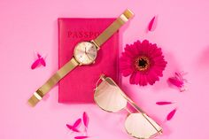 Drakes Plymouth's Summer Essentials for 2017! This Rose Gold Ted Baker Watch 'Kate' is so on trend this season. Click here to check out this stunning Ted Baker Watch.