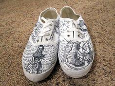 Minda's Ideas: 290 DIY Alice in Wonderland Sharpie Painted Vans Shoes Painted Vans, Painted Shoes, Custom Vans, Custom Shoes, Alice In Wonderland Shoes, Doodle Shoes, Sharpie Shoes, Shoe Art, Vans Shoes