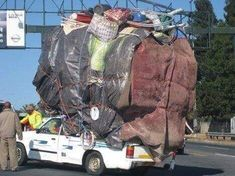 Overloaded vehicle pictures from South Africa Car Bazaar, Car Pictures, Funny Pictures, Strange Pictures, Camping Photo, My Land, Girl Day, Days Out, Bugatti