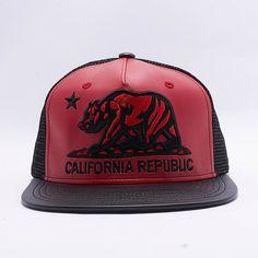 1044152b5cb 5 Panel Pu Trucker California Republic Bear Flat Bill Design Snapback Hat   Black Red