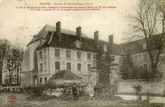 L'hôpital temporaire n°8 est installé dans l'ancien grand séminaire (300 lits)