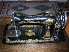 Singer 115 - 1912 with wing decals exclusive to the 115 model