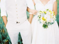 Wedding at ease. Just the right mix of casual and traditional.