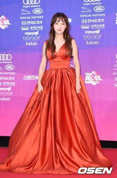 Thảm đỏ The Seoul Awards: Song Ha Yoon