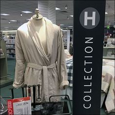 Complete your complement of luxury living items with odds and ends from this Macys Hotel Collection Accessories Assortment. Luxury Living, Visual Merchandising, Towel, Plate, Accessories, Collection, Fashion, Luxury Life, Moda