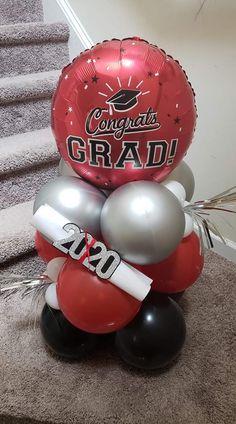 Graduation Party Centerpieces, Graduation Party Planning, Graduation Celebration, Graduation Decorations, Diy Party Decorations, Balloon Decorations, Graduation Crafts, Graduation Balloons, Graduation Party Decor