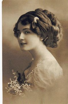 Vintage Photography.... Love old photos very classy lady