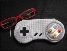 video game glasses case