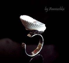 Серебряное кольцо с  ракушкой и жемчугом. Разъемное. Размер от 16 до 19,5. Кольцо на фото уже продано. Возможно изготовление похожего кольца на заказ. Цена 1500 руб.