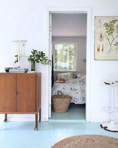 my scandinavian home: A Charming Danish Summer Cottage on the Island of Fejø blue floor Scandinavian Cottage, Scandinavian Interior, Summer House Interiors, Big Beds, Beautiful Bedrooms, Hygge, Teak, Mid-century Modern, Living Spaces
