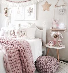 Find this chunky knitted throw here! www.topshelfdecor.com