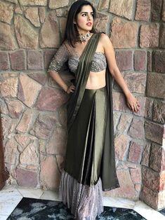 Buy Green Color Saree by Akanksha Singh at Fresh Look Fashion Indian Wedding Outfits, Pakistani Outfits, Indian Outfits, Look Fashion, Indian Fashion, Saree Gown, Lehenga, Sari Design, Bollywood Fashion