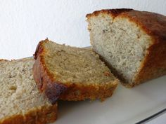 You just found The Best Banana Cake Recipe ever! This simple banana cake recipe is soft, fluffy, moist, and rich and is made even. Paleo Dessert, Dessert Bread, Bread Cake, Desserts Végétaliens, Healthy Desserts, Sweet Bread Meat, Galletas Paleo, Paleo Food List, Vegetarian Recipes