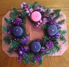 Love this advent wreath idea with bigger candles, rather than taper candles.  <3