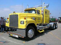 Big Old Dodge Trucks   old dodge big horns that used the 56 60 dodge truck cabs