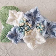 〈つまみ細工〉紫陽花のバレッタ(水色と白)の画像