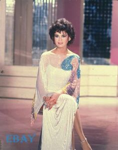 Marie Osmond Hot, Osmond Family, The Osmonds, Beautiful Haircuts, Beauty Portrait, Music Icon, Vintage Hairstyles, Vintage Advertisements, Classic Hollywood